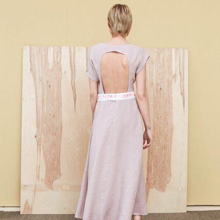 linine-suknele-juvencija-reda-paula1